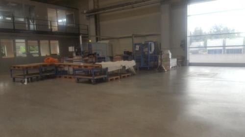 Wareneingang:Die Güter werden angeliefert und mit dem Scanner eingebucht