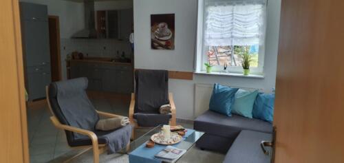 Wohnzimmer der vorübergehenden Wohnung